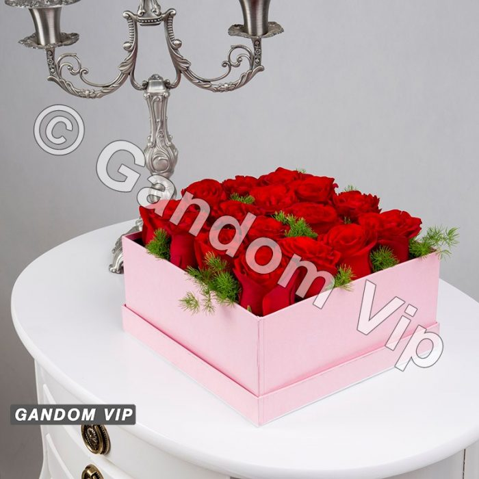 جعبه گل صورتی با جای کادو
