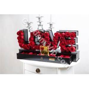 گل رز love