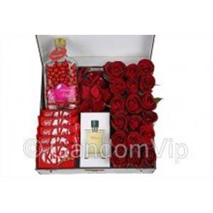باکس گل رز و هدیه