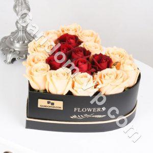 باکس گل رز و لب ماتیکی