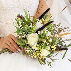 دسته گل فرمالیته عروس کد 1006