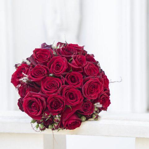 دسته گل رمانتیک عروس | دسته گل رز عروس کد 1002