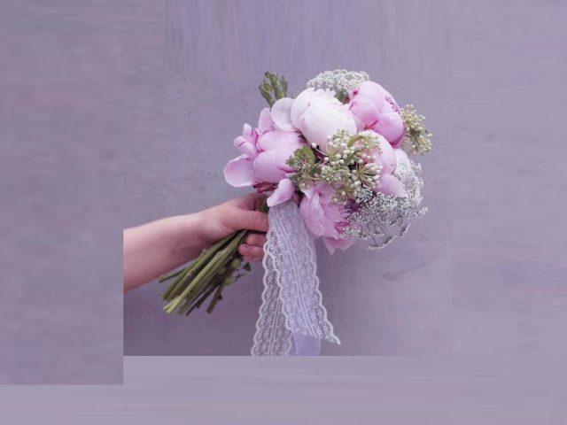 دسته گل سفید صورتی