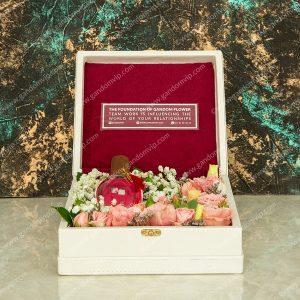 باکس گل سفید