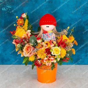 سطل گل پاییزی با عروسک